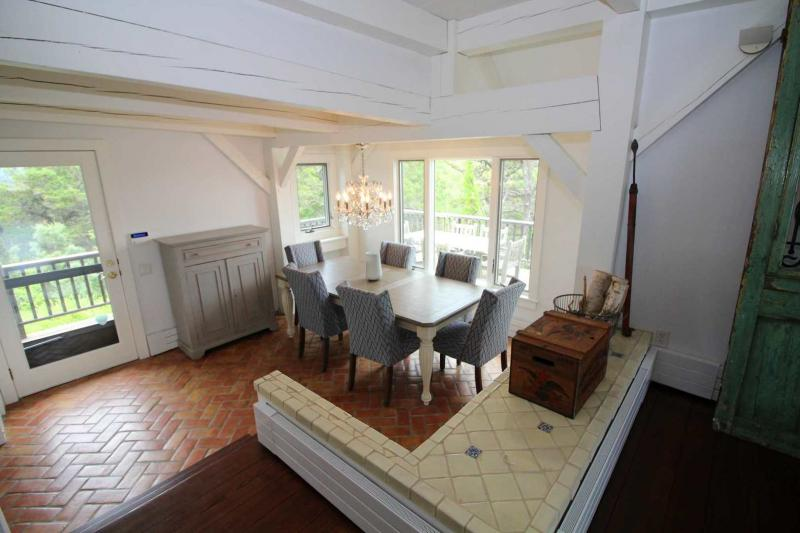 Dining room off kitchen