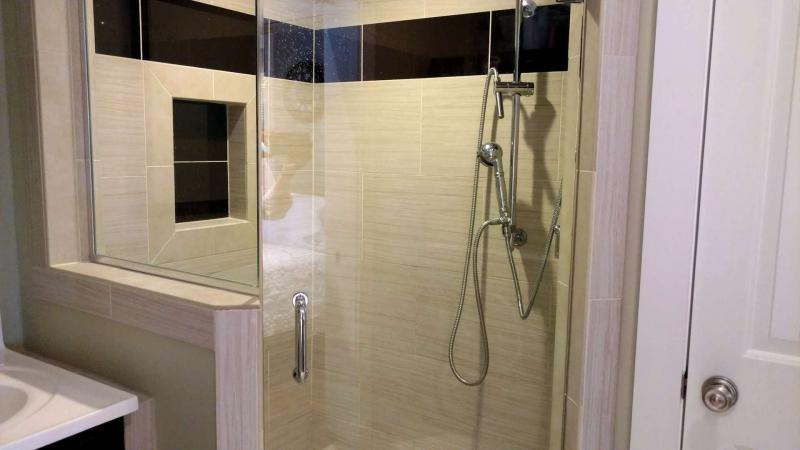 Ensuite master bathroom wit shower