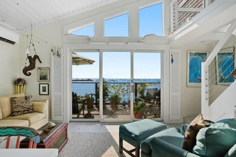 Condo with amazing unobstructed views of the harbor
