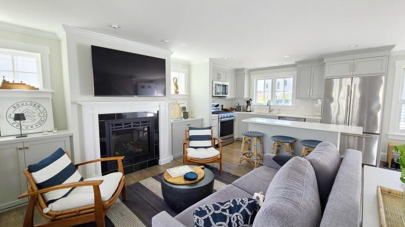 West End condo with wonderful interior spaces
