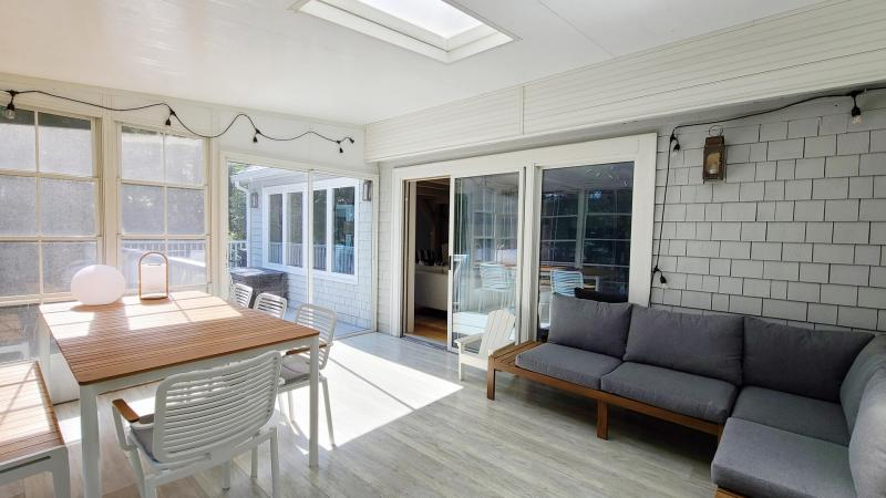 Screen porch with slider to deck
