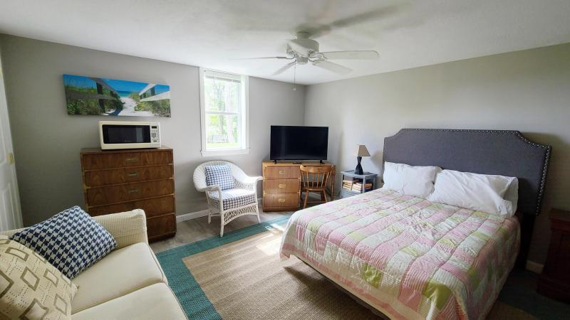 Lower level has a double bed and a twin bed