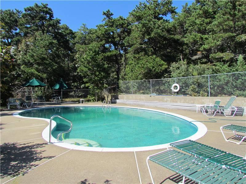 Whitman Cottages pool