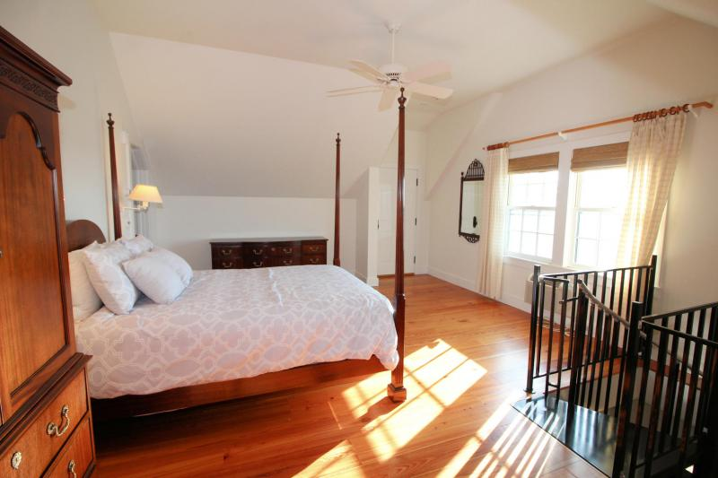 Guest house bedroom with queen and AC