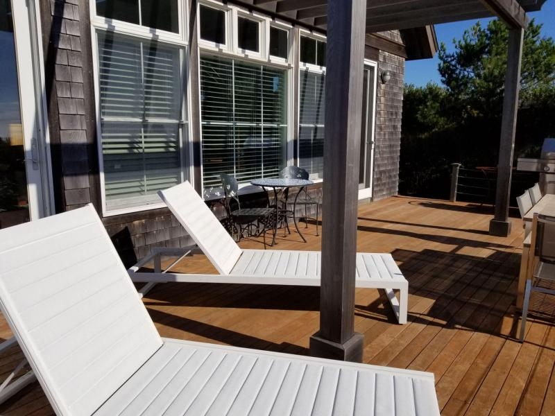 Wonderful deck with outdoor furniture