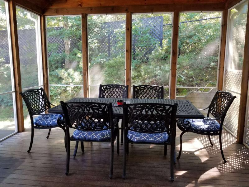 Wonderful screened in porch