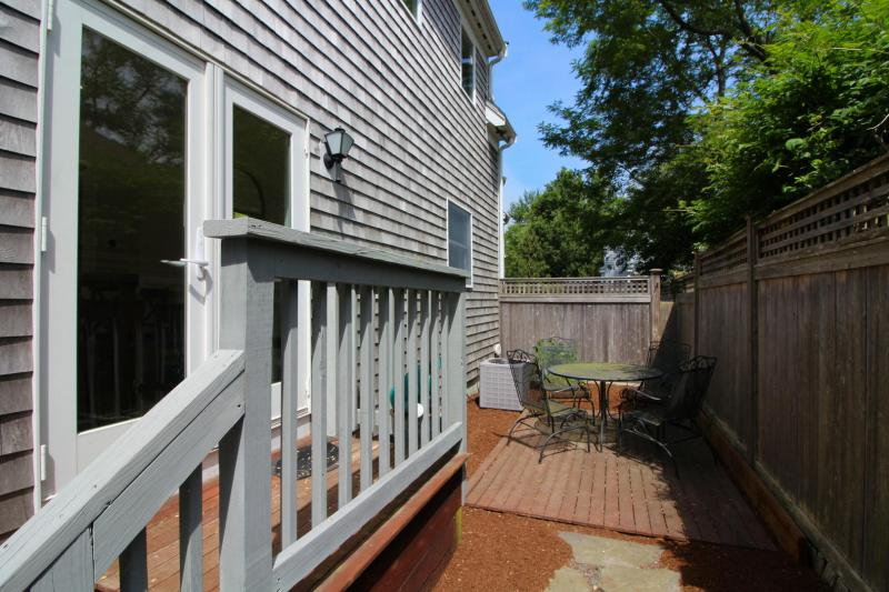 French doors from dining room lead to private back patio