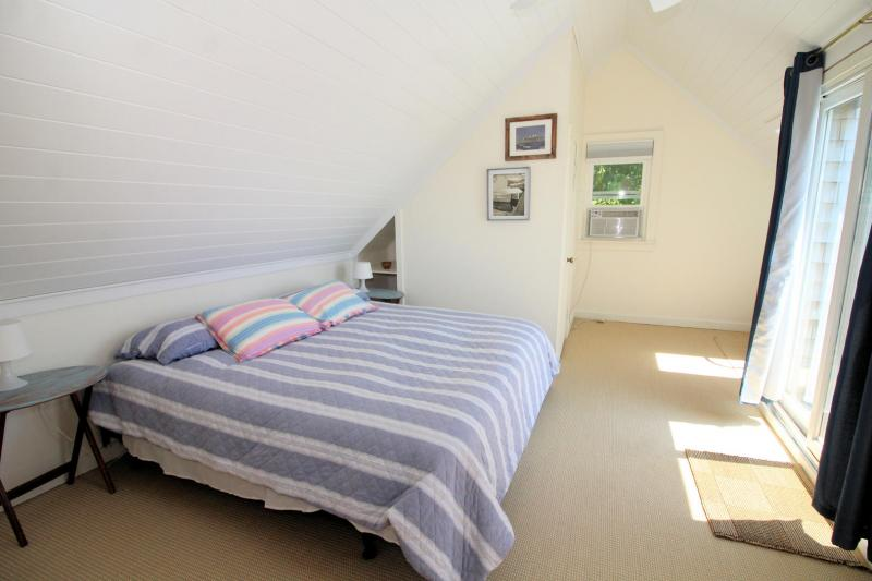 Second floor master with king bed