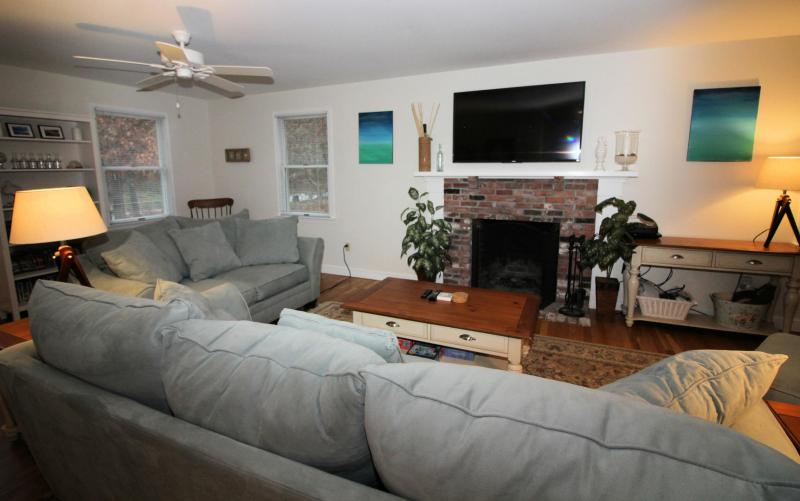 Comfortable seating and large flat screen TV in the living room