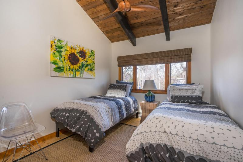 Second floor bedroom with two twin beds