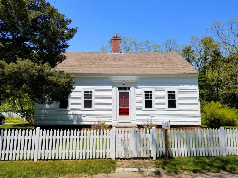 Beautifully restored antique with cottage