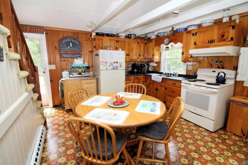 Eat in kitchen with door to deck