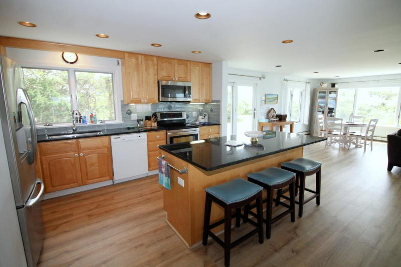Well equipped kitchen with island