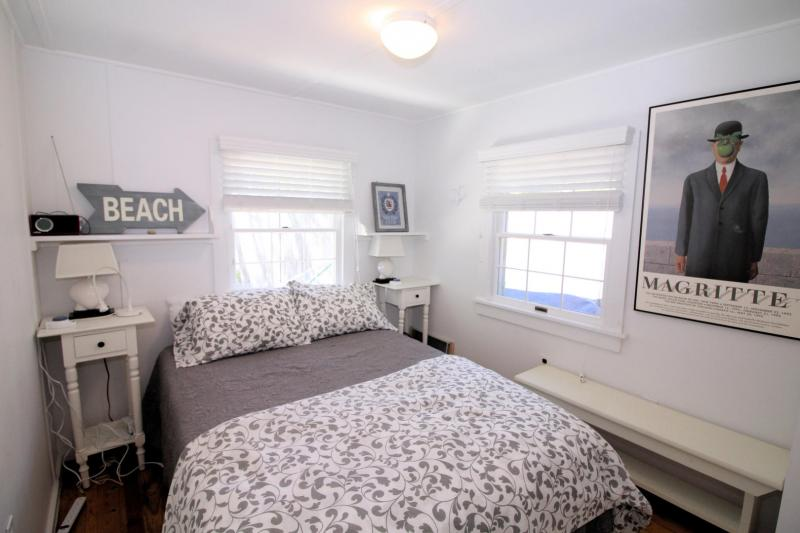 Bedroom with full bed
