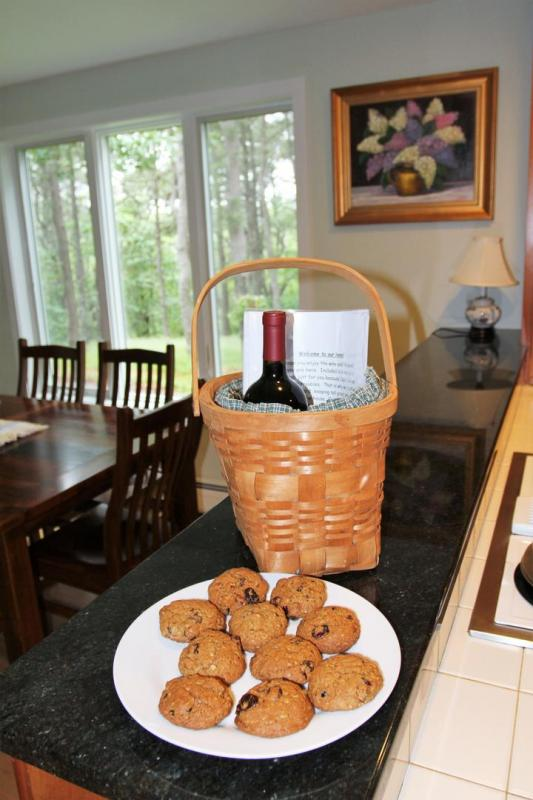 Each party is greeted with wine and cookies