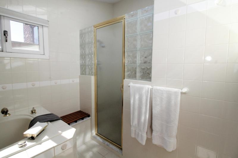 Second floor master en suite bath shower room