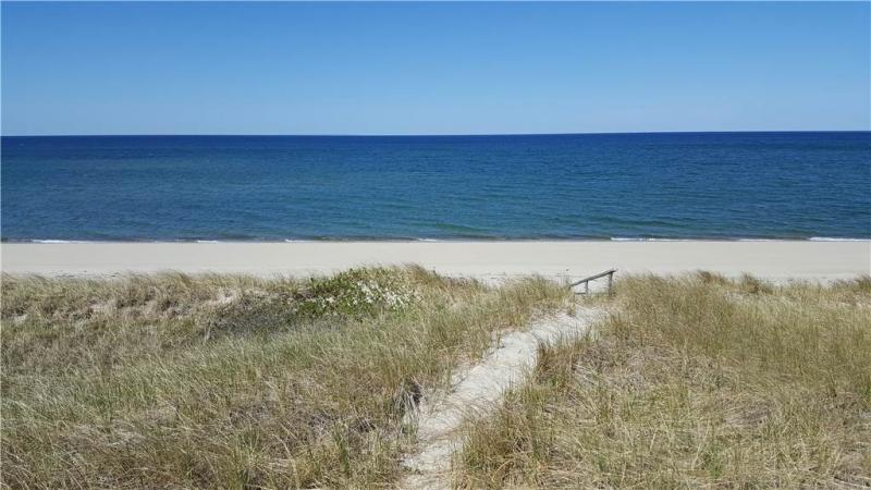 Direct path to the beach